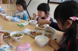給食について   ハピネス保育園 南光台東園(仙台)